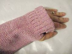 How to Make Fingerless Gloves From a Sweater