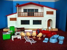 RARE VINTAGE BLUE BOX DOLL HOUSE 1974 W 24 PIECES FURNITURE XMAS GIFT