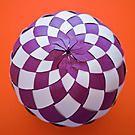 Самоделкин: Ёлочный шар из цветной бумаги