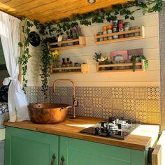 Kitchen Layout, Kitchen Design, Kitchen Decor, Kitchen Ideas, Van Life, Camper Van Kitchen, Kombi Home, Small Space Kitchen, Small Spaces