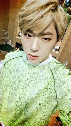 "Block B twitter update 21/2/2015 ------ 3시50분부터 MBC 쇼음악중심 시작합니다. 본방사수 고고고!! ""@ZICO92: 음중시작합니다~! """