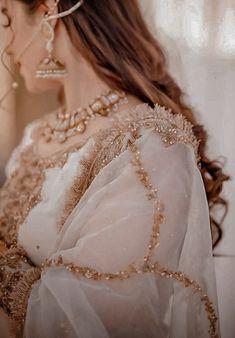 Beautiful Pakistani Dresses, Pakistani Dress Design, Beautiful Hijab, Pakistani Bridal, Indian Wedding Outfits, Bridal Outfits, Wedding Dance Video, Pakistani Culture, Saree Floral