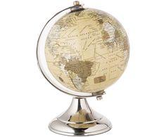 Die Welt ist nicht genug: THE WORLD avanciert durch die beige Farbgebung zu einem ganz besonders eleganten Globus-Modell. Der glänzende Sockel trägt zu dieser edlen Note bei und harmoniert perfekt mit der dunklen Kugel. Ein außergewöhnliches Deko-Element mit zeitlosem Charakter.