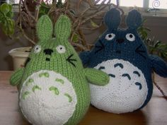 FREE Totoro Amigurumi Knitting Pattern and Tutorial