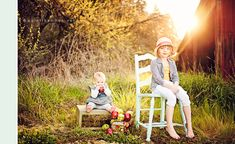 Photoshop Actions Sun Flare Vintage Country -- Love her work and family photos! Nice shoot of the family and use of her Actions! Love the late day being backlit and flair! Sibling Photography, Moon Photography, Photoshop Photography, Photography Tutorials, Children Photography, Photography Tips, Photoshop Actions For Photographers, Photoshop Tips, Photoshop Effects