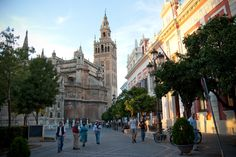 La Giralda, #Sevilla, #Spain | #wikoftheday Want to visit #Andalucia? http://bit.ly/1qcjX4P