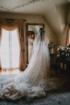 Combine the best parts of Lord of the Rings, Game of Thrones, and Romeo and Juliet and you've got this stunningly romantic wedding! Wedding Dress Boutiques, Wedding Dresses, Bridal Portrait Poses, Most Beautiful Images, Reception Design, Bridal Pictures, Whimsical Fashion, Wedding Music, Bridal Crown