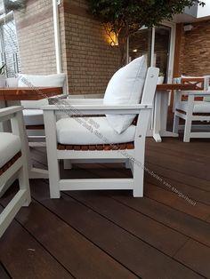 Massief houten terras meubelen. Voor meer leuke meubilair bezoek dan onze webshop: www.yambee.nl Of stuurt u ons een mail met uw vraag naar: info@yambee.nl