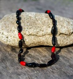olier pentru copii din chihlimbar baltic si coral rosu Baltic Amber, Coral, Beaded Bracelets, Jewelry, Fashion, Moda, Jewlery, Bijoux, Fashion Styles