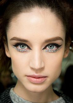 Glittery Eye at Chanel Spring 2014 Couture