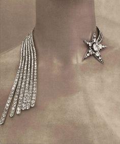 """Collier Comète de la collection Bijoux de Diamants crées par Gabrielle Chanel en novembre 1932 - """"Bijoux de Chanel"""" par Patrick Mauriès"""