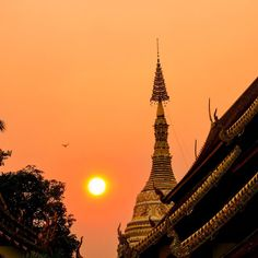 Have I mentioned how excited I am to return to #thailand and to attend #tbexasia2015 ?! This time time I'm also going to Burma and Malaysia too, and the majority of my focus will be on photography and the travel blog. I can't wait to share the adventure! #travel #travelblogger #temple #sunset #chiangmai