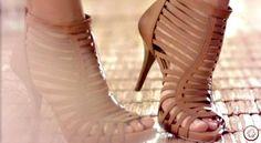 sandalias de salto com tiras 6