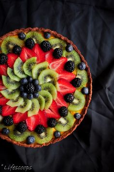Life Scoops: Fresh Fruit Tart with Mango Curd Filling