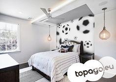 Fototapety czarno białe - latające piłki nożne