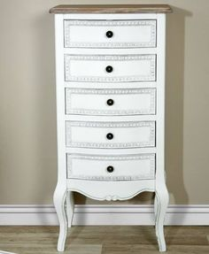 muebles auxiliares en madera blanca en www.virginiaesber.com
