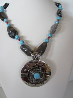 Western necklace, with grey ceramic nuggets, turquoise and coral with antique pewter pendant. Necklace is long, plus pendant drop. Free earrings are long. Rustic Wedding Jewelry, Coral, Turquoise, Fall Jewelry, Western Jewelry, Antique Pewter, Rodeo, Washer Necklace, Craft Projects