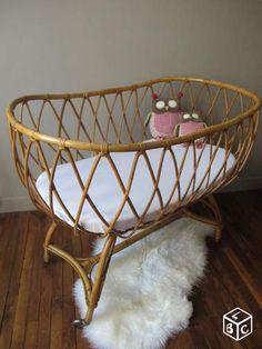 1000 images about berceau vintage on pinterest bassinet moses basket and rattan. Black Bedroom Furniture Sets. Home Design Ideas
