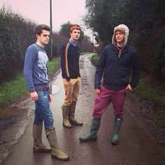 Skinny jeans & chinos go well with Le Chameau & Hunter wellies with their slim legs Hunter Wellies, Wellies Boots, Hunter Boots, Country Wear, Farm Boys, Wellington Boot, Guys And Girls, Mens Fashion, Slim Legs