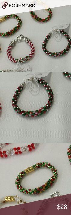 Christmas bracelet Beautiful handmade beaded Christmas bracelet.  Made with high quality glass seed beads and Swarovski crystals.  **Each bracelet sold individually**! handmade Jewelry Bracelets