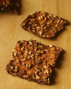 Zdrowo zakręcona: Chrupiące chlebki z pulpy warzywno-owocowej. Bez mąki i bez zbóż.