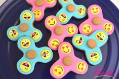 Fidget Spinner Cookies that really spin. Step by Step Directions also on you tube https://www.youtube.com/watch?v=Da-3zAZMv5M