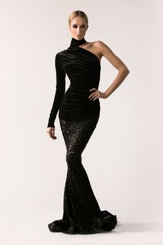 [[MORE]] Michael Costello Fall/Winter 2016 Collection Source Haute Couture Dresses, Couture Fashion, Evening Attire, Evening Dresses, Michael Costello, Look Fashion, Fashion Design, Formal Gowns, Ball Dresses