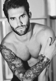 Sexy bearded tatted guy