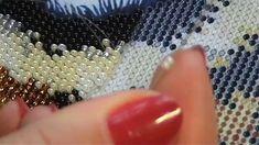 """СП """"Животные"""" отчёт за 9 неделю. В этом видео я показываю продвижения и сам процесс вышивки. Bead Crochet Patterns, Cross Stitch Patterns, Beaded Bags, Beaded Jewelry, Crazy Quilting, Crochet Carpet, Peyote Stitch, Beading Tutorials, Fabric Art"""