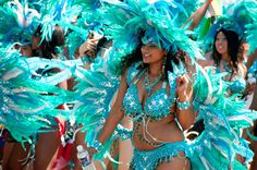 If feathers, rhinestones, glitter, and looking fabulous are your thing. Carnival Dancers, Carnival Dress, Carnival Outfits, Carnival Makeup, Carribean Carnival Costumes, Caribbean Carnival, Brazil Carnival, Trinidad Carnival, Samba