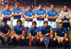 ITALY TEAM WORLD CUP 1974 Football Squads, Legends Football, Football Icon, Retro Football, Vintage Football, Sport Football, World Cup Teams, Soccer World, World Football