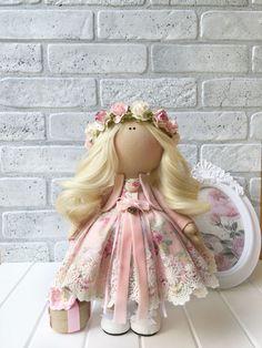 Купить или заказать Кукла ручной работы Elis в интернет магазине на Ярмарке Мастеров. С доставкой по России и СНГ. Материалы: трикотаж, трикотаж белый ангел, хлопок…. Размер: 30см