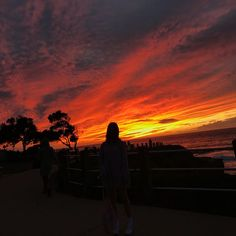 갬성 #sandiego#lajolla #la#california #sunset #lajollalocals #sandiegoconnection #sdlocals - posted by 한예슬 🌐  https://www.instagram.com/h.yesuri. See more post on La Jolla at http://LaJollaLocals.com