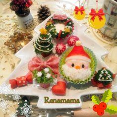 Kawaii  Xmas plate Christmas Lunch, Christmas Breakfast, Christmas Cookies, Kawaii Bento, Cute Bento, Bento Kids, Japanese Food Art, Sushi Art, Bento Recipes