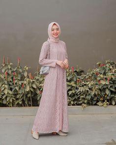 Dress Brukat, Hijab Dress Party, Hijab Style Dress, Casual Hijab Outfit, The Dress, Dress Outfits, Kebaya Dress, Dress Brokat Muslim, Dress Brokat Modern