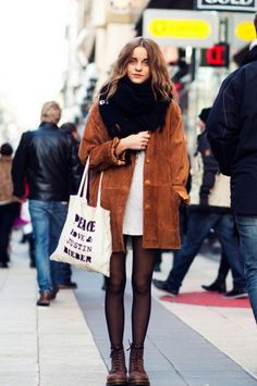 Celebrity Winter Styles You Ought to Copy - Total Street Style Looks And Fashion Outfit Ideas Street Style Outfits, Mode Outfits, Winter Outfits, Fashion Outfits, Womens Fashion, Fashion Trends, Ladies Fashion, Fashion Styles, Fashion Boots