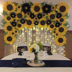 paper flower centerpieces Paper flower template in PDF. Only flower template. Centerpiece is sold separately. You can create flowers by yourself. Video tutorial can be send Sunflower Birthday Parties, Sunflower Party, Sunflower Baby Showers, Sunflowers And Roses, Giant Flowers, Paper Flower Centerpieces, Paper Flowers Diy, Sunflower Wedding Decorations, Birthday Decorations
