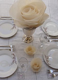 diy paper rose table decor