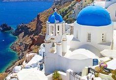 Καλωσορίσατε στο Αιγαίο, σε έναν από τους πλέον δημοφιλείς προορισμούς της Ελλάδας και σε ένα από τα ομορφότερα ελληνικά νησιά!  #santorini #greece #travel #greekislands Greece Style, Greece Fashion, Santorini Greece, Mount Rushmore, Relax, Mountains, Mansions, House Styles, Nature