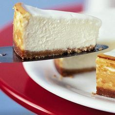 Make a classic New York cheesecake with this easy recipe, perfect for everyday baking and occasions. Find more cake recipes at BBC Good Food. Sugar Free Desserts, Sugar Free Recipes, Gluten Free Desserts, Just Desserts, Sweet Recipes, Delicious Desserts, Dessert Recipes, Easy Recipes, Cheesecake Thermomix