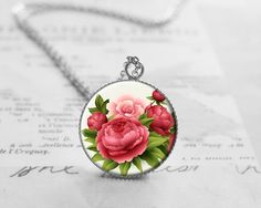 Short Necklaces – Shabby Chic, Flower Necklace, Nature, N750 – a unique product by petiteVanilla on DaWanda
