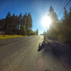 Warm up ride just before the second stage of the BC Bike Race.   Aufwärmen für die zweite Etappe des BC Bike Race.   Mehr / More  https://ift.tt/2IJl8Fi  #konstructive.de #bcbr2018 #bikersofinstagram #bikelife #mountainbiking #mtb #revolutionsports.eu #downhill #bikes #igersoftheday #freeride #allmountainstyle #enduro #mtblife #northshoremtb #freeride #cyclechicks #allmountainstyle #girlsonbikes #cyclegirl #cyclinglife #cycling #singletrack #bikelove #29er #ilovemybike #enduromtb…