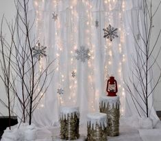 Billie McIntosh – DIY World Christmas Photo Booth Backdrop, Diy Photo Backdrop, Christmas Backdrops, Diy Photo Booth, Christmas Background, Christmas Decorations, Diy Backdrop Photography, Christmas Photo Props, Backdrop Ideas