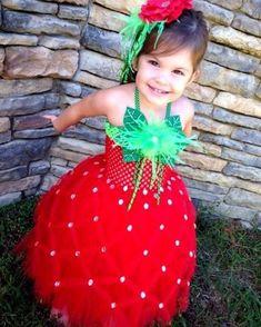 Детский костюм - земляничка. Как вам идея?