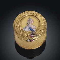 A jewelled gold and en plein enamel bonbonniere marked Fabergé, with the workmaster's mark of Michael Perchin, St. Petersburg, Circa 1890 inventory number 41691