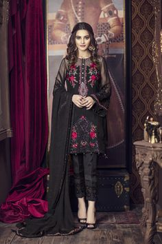 Buy Online Imrozia Premium Embroidered Chiffon Collection 2018 - AN Fabrics Pakistani Fashion Casual, Pakistani Dresses Casual, Pakistani Dress Design, Indian Dresses, Asian Fashion, Indian Outfits, Dress Casual, Style Fashion, Pakistani Party Wear