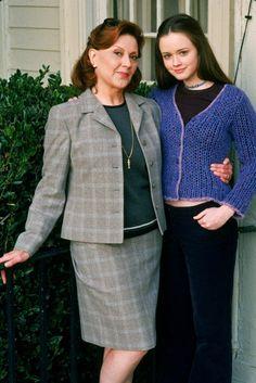 Kelly Bishop, Alexis Bledel ~ Gilmore Girls ~ Publicity Photos ~ Season 1 (2000) #amusementphile