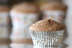 Turn that pancake mix into muffins! Try this delicious recipe for a classic apple cinnamon muffin, but packed with fiber and packed with protein! Great for kids cups FlapJacked Cinnamon Apple Protein Pancake Healthy Protein Snacks, Healthy Treats, Healthy Foods, Fit Foods, Protein Recipes, Healthy Breakfasts, Protein Foods, Eating Healthy, Healthy Recipes