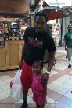 Brandon Jennings with fan Brandon Jennings, Milwaukee Bucks, Fan, Fans