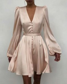 Elegant Outfit, Classy Dress, Classy Outfits, Dress Casual, Elegant Casual Dresses, Elegant Style Women, Elegant Clothing, White Clothing, Classy Clothes